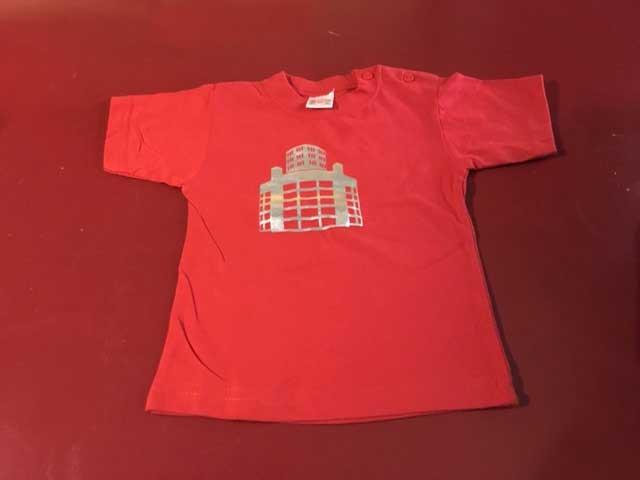 Baby t-shirt Lichttoren zilver op rood