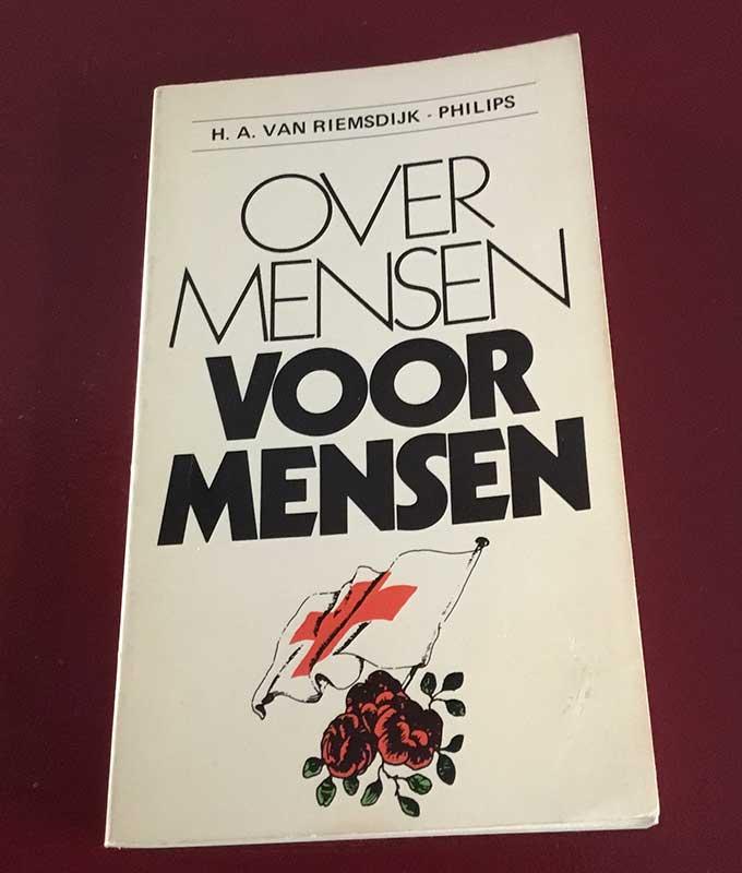 J.W. van Esveld - Over mensen voor mensen