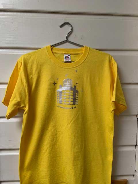 Heren t-shirt - Lichttoren geel met zilveren opdruk